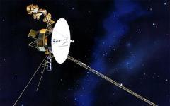 Io, Voyager