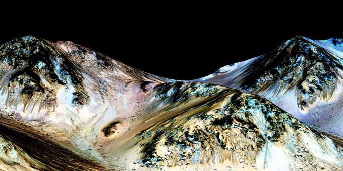 Le striature che, secondo la NASA, rappresentano la prova dell'esistenza di acqua