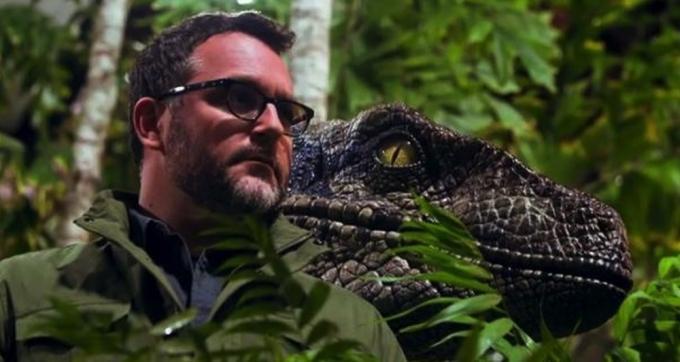 nel futuro di Jurassic World, l'umanità imparerà a interagire con i dinosauri. E lo faranno anche gli attori sul set.