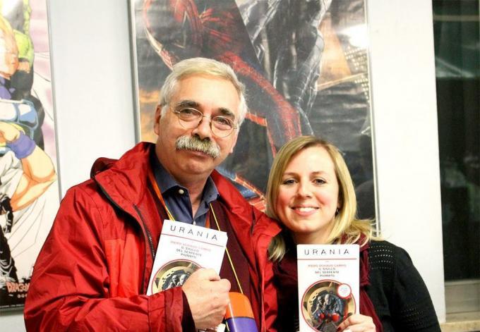 I vincitori del premio Urania, versioneromanzo (Piero Schiavo Campo) e racconto (Linda De Santi) (foto: Marcus Broadbean)