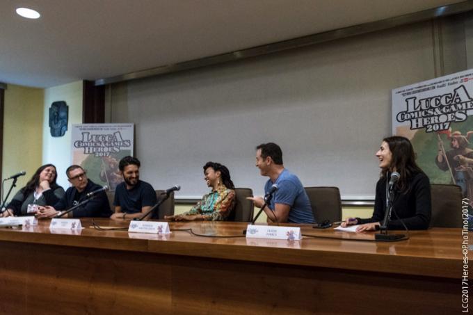 Da sinistra l'interprete Chiara Codecà, Aaron Harberts, Shazad Latif, Sonequa Martin-green, Jason Isaacs. Foto Tino Barletta