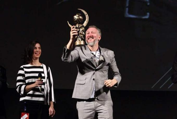 Bodo Kox riceve il Premio Asteroide