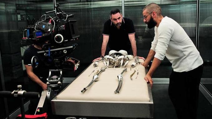 Alex Garland e Oscar Isaac sul set di Ex Machina