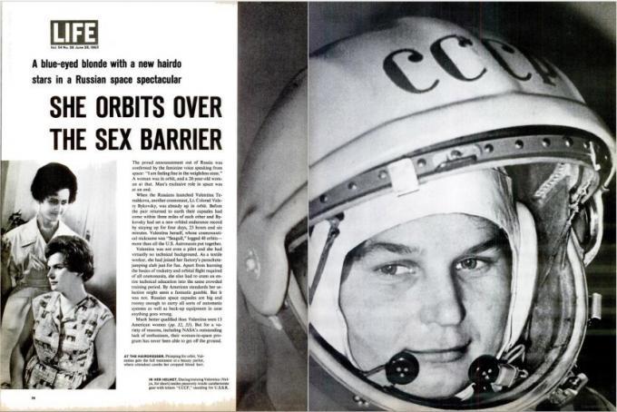 """25 ottobre 1963: <i>Life</i> celebra Valentina Tereshkova, la prima donna nello spazio a bordo del Vostok 6, il 16 giugno di quell'anno. """"She Orbits Over the Sex Barrier""""."""