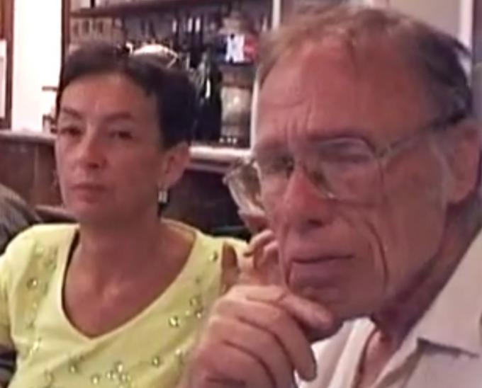 Maria Cristina Pietri nel 2000, accanto a Robert Sheckley (da un video di Roberto Quaglia)