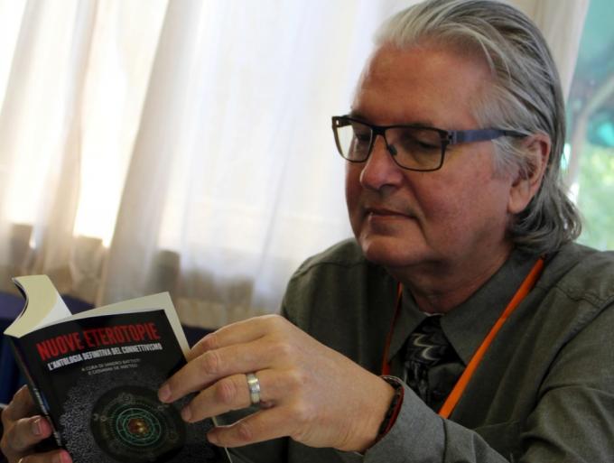 Il guru del cyberpunk Bruce Sterling (Foto: marcusbroadbean.com)