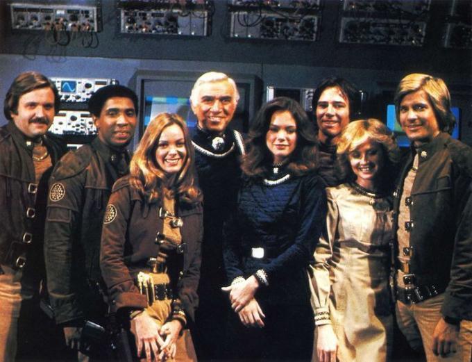 Eppure, anche <i>Galactica</i> di Moore era un remake. Non è stato poi così male, sembra.