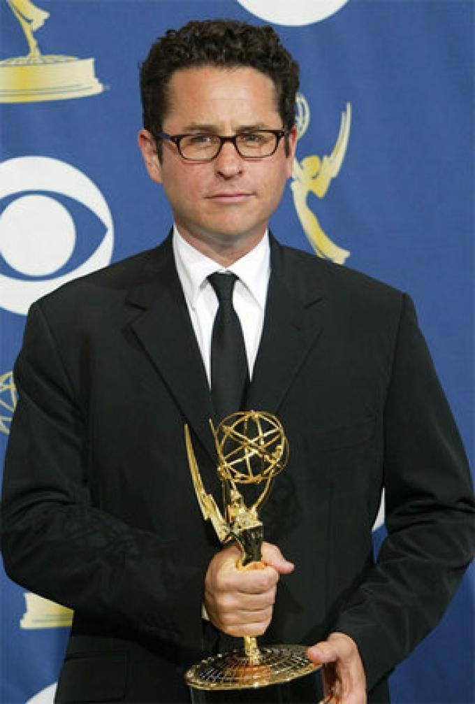 JJ con l'Emmy per <i>Lost</i>