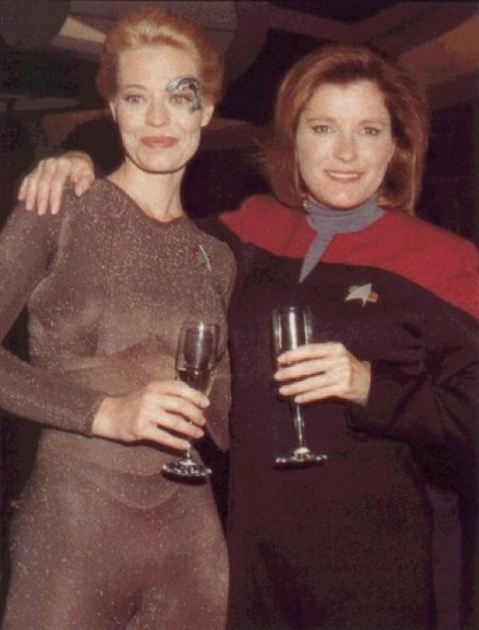 Kate Mulgrew nella parte di Kathyn Janeway con Sette di nove