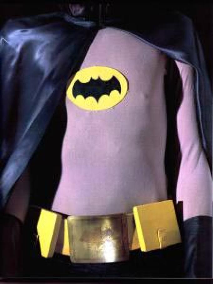Dettaglio del costume di Batman