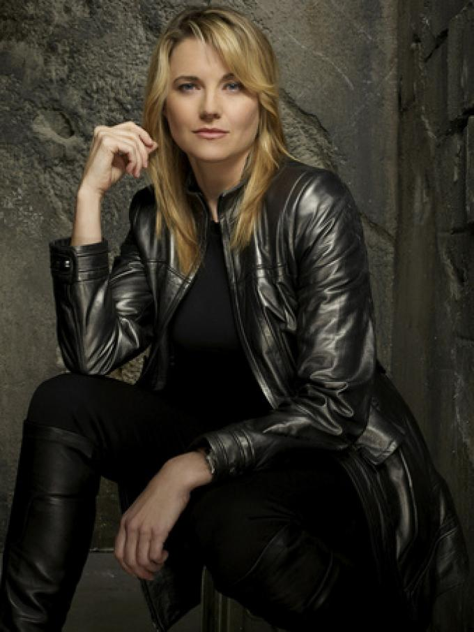 Lucy Lawless, D'Anna Biers