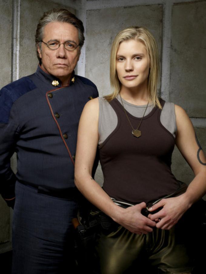 "Edward James Olmos e Katee Sackhoff, l'ammiraglio William Adama e Kara Thrace ""Starbuck"""