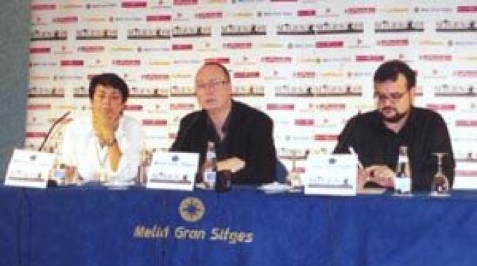 Rob Green (al centro) regista di <i>The Bunker</i>