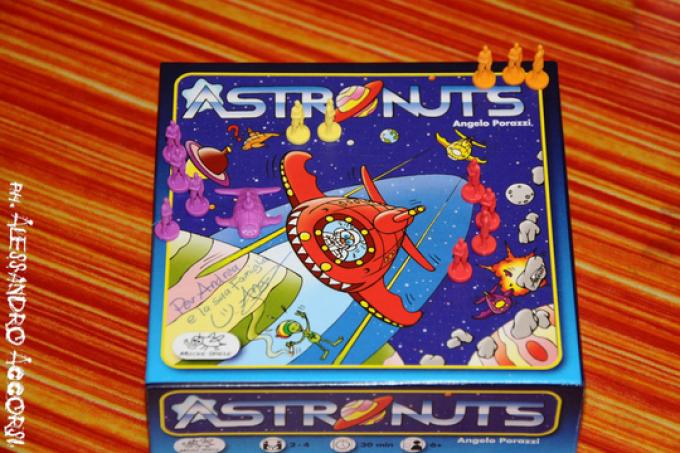 AstroNuts scatola