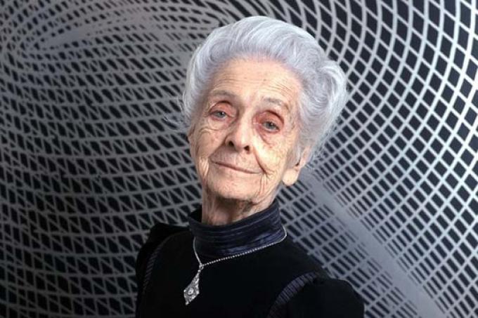 Rita Levi-Montalcini (Italia, 22/4/1909-30/12/2012) neurologa scopritrice del fattore di accrescimento della fibra nervosa e vincitrice del premio Nobel nel 1986. Senatrice a vita dal 2001.