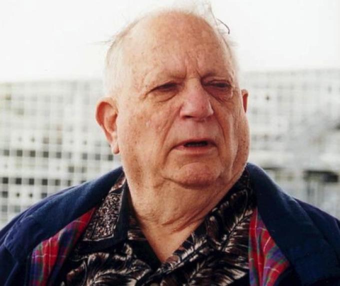 Jack Vance (28 agosto 1916 - 26 maggio 2013) Scrittore