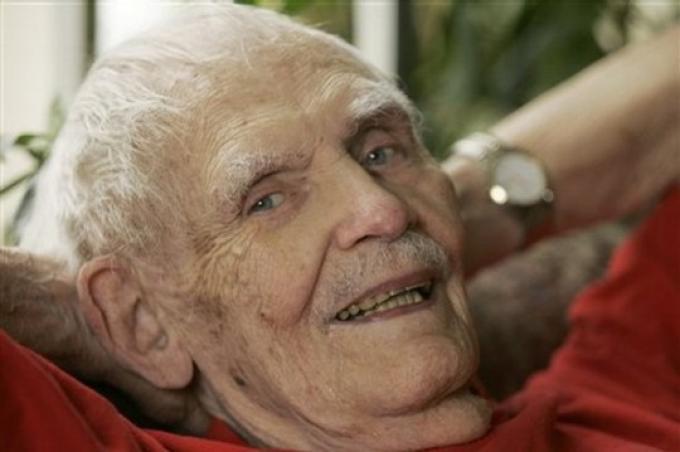 Frederik Pohl (1919-2013) Scrittore amicano, editor, saggista