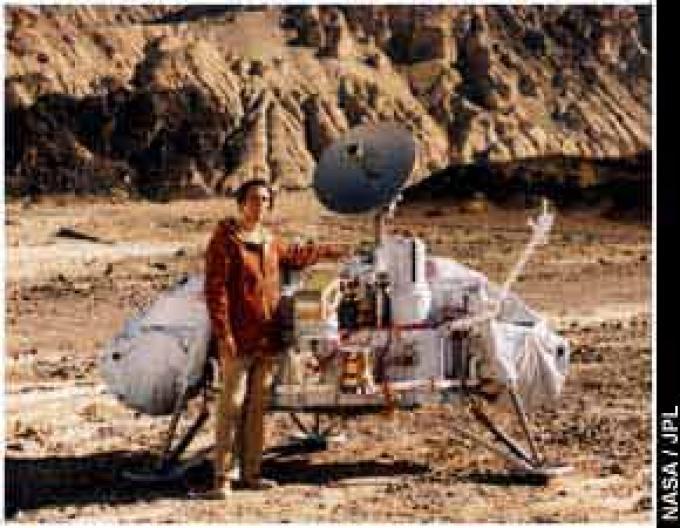 Sagan nella Death Valley vicino al Viking