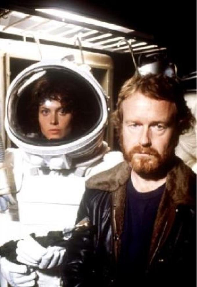 Sigourney Weaver ed il regista Ridley Scott sul set