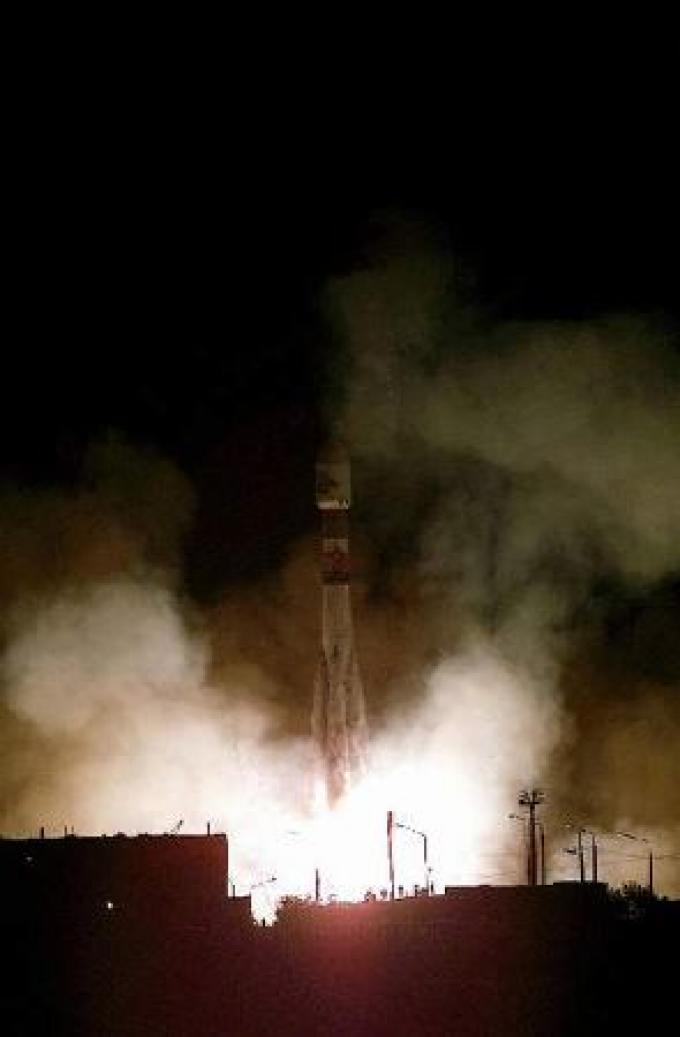 Il momento del lancio della missione Mars Express dal cosmodromo di Baikonur. Il vettore è un razzo della serie Soyuz.