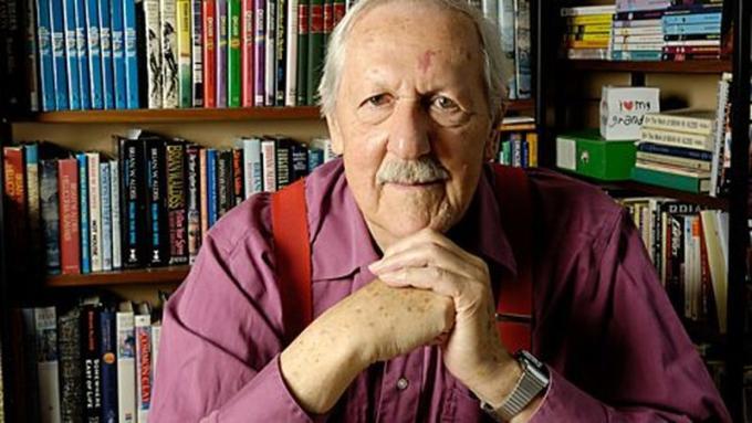 Brian W. Aldiss (East Dereham, 18 agosto 1925 - 18 agosto 2017) Scrittore, editor, critico