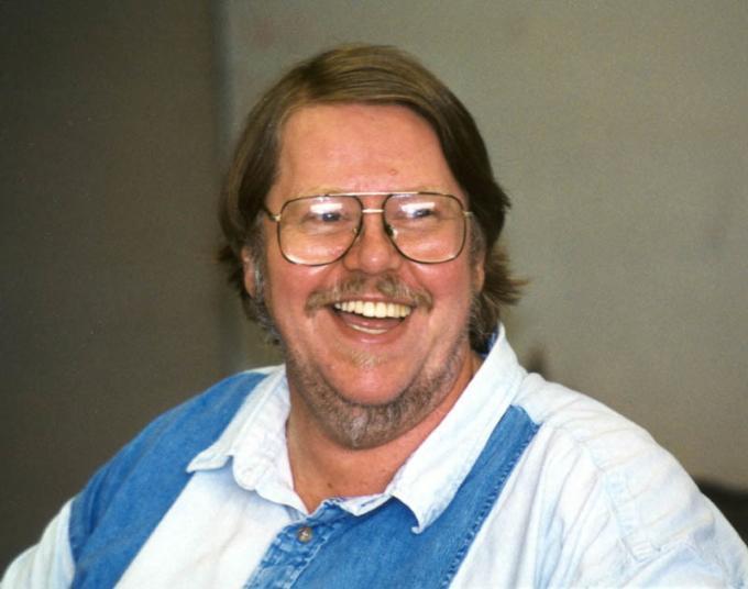 Gardner Dozois (Salem, 23 luglio 1947 – Philadelphia, 27 maggio 2018) Scrittore, editor e antologista