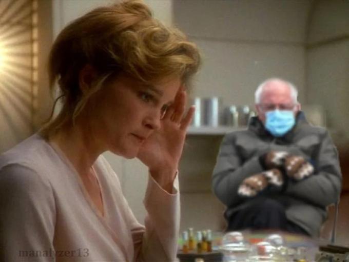Il capitano Janeway è già stufa di vedere Sanders ovunque!