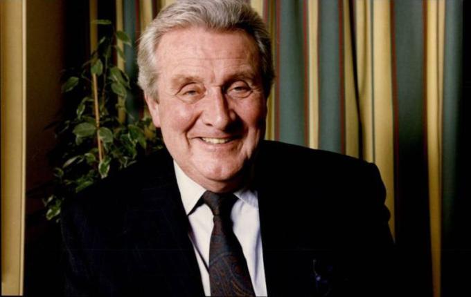 Patrick McNee (Londra, 6 febbraio 1922 – Rancho Mirage, California, 25 giugno 2015) attore