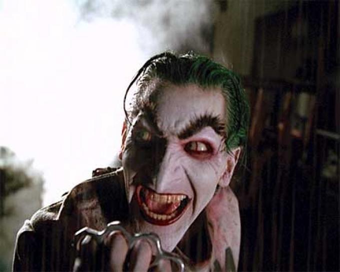 Andrew Koenig nella parte di Joker