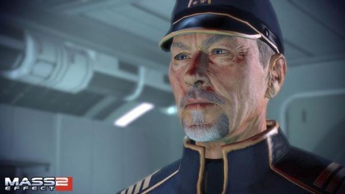 Con Avvento torna l'ammiraglio Hackett, che in inglese ha la voce di Lance Henriksen