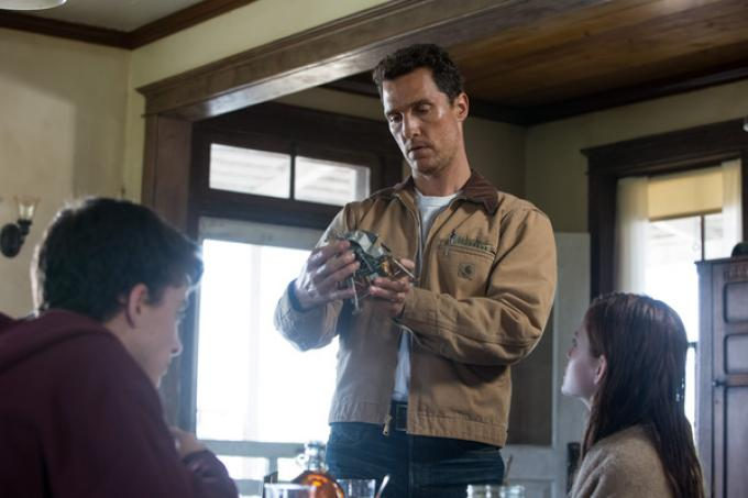 Timothee Chalamet è Tom, Matthew McConaughey è Cooper e Mackenzie Foy è Murphy in Interstellar - Foto di Melinda Sue Gordon -  © 2014 Warner Bros. Entertainment, Inc. and Paramount Pictures