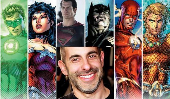 L'uomo al comando del mondo DC comics al cinema.