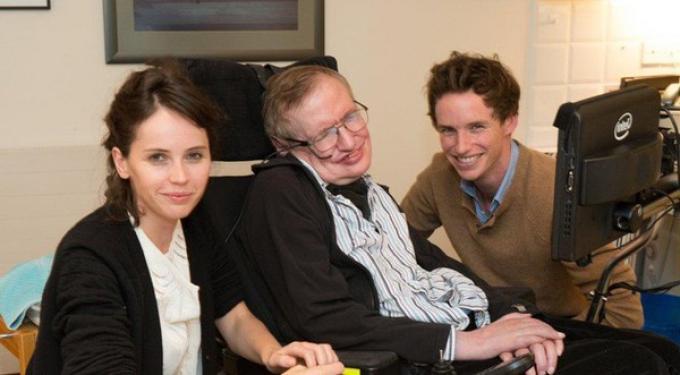 Felicity Jones, Stephen Hawking ed Eddie Redmayne (Foto ANSA)