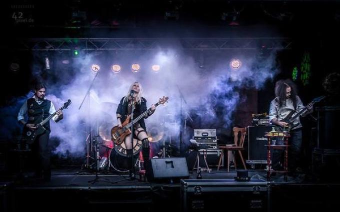 "La band ""neosteampunk"" Poison"