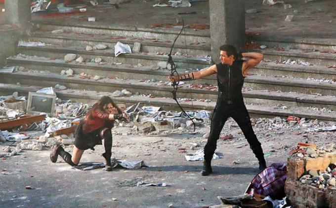 Vieni con me se vuoi vivere, Hawkeye...