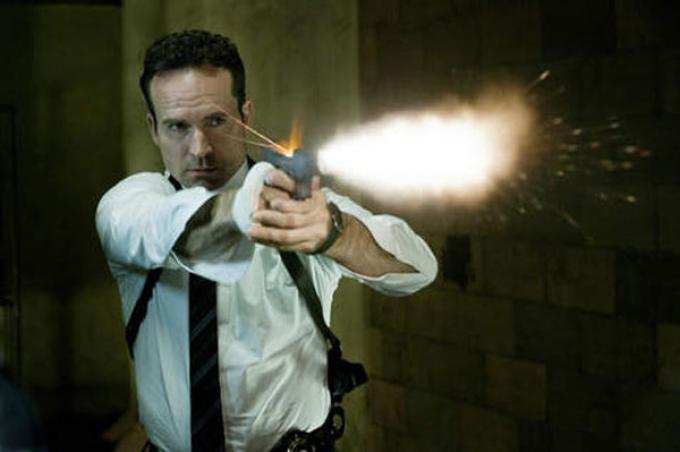 Riuscirà il protagonista a sconfiggere gli  executive di FX?