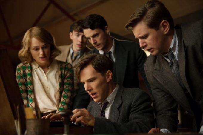 Benedict Cumberbatch nel ruolo di Alan Turing