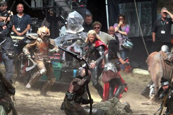 Un giorno normale sul set di Thor: the dark world