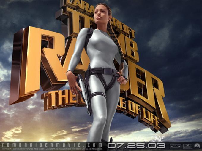 Lara, alias Angelina Jolie. o anche il contrario.
