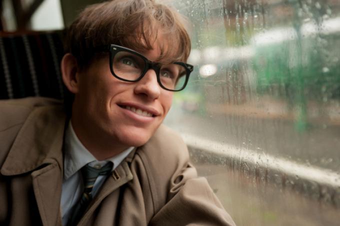 Eddie Redmayne nel ruolo di Stephen Hawking in La Teoria del Tutto