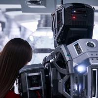 Cos'è I Am Mother, il film sul rapporto figlia/robot da oggi su Netflix