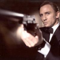 """Un Bond """"Al dente"""""""
