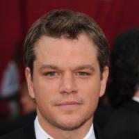 Matt Damon e Sharlto Copley in Elysium