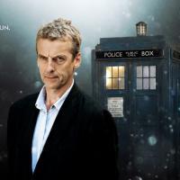 Doctor Who: Peter Capaldi è una forza, parola di Steven Moffat
