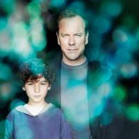 Touch: Kiefer Sutherland salva il mondo, grazie al figlio